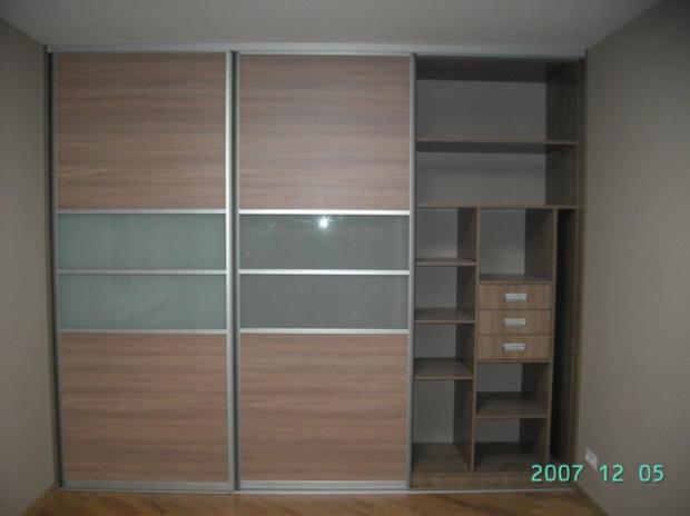 функционални мебели за гардеробна за ваканционни жилища