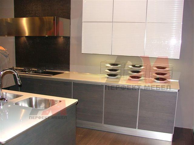 модерна кухня за къща