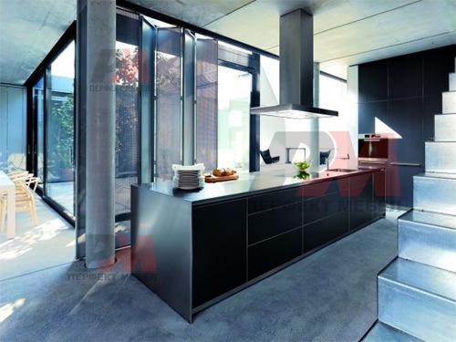 Стилна комбинация от шкафове за кухни по поръчка