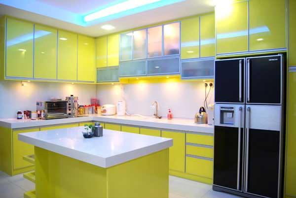 Кухня в жълто зелено