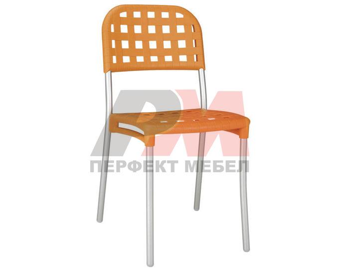 Качествен метален стол за кафенета