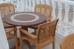 Красив пластмасов стол за заведение