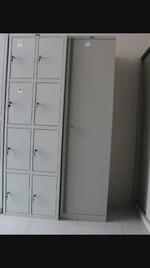 Евтини метални гардероби, за оръжеен магазин